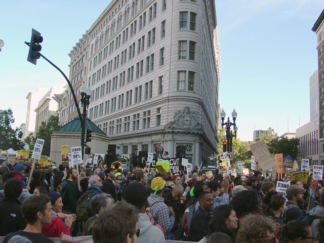 occupyoakland_generalstrike-morning_110211100605.jpg