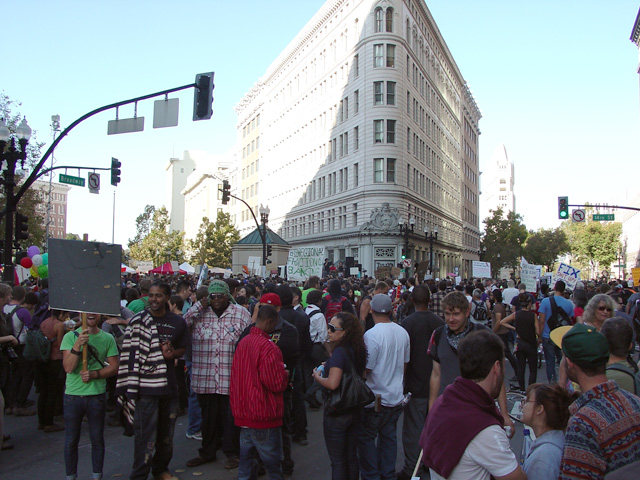 occupyoakland_generalstrike-afternoon_110211153426.jpg