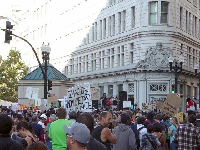occupyoakland_generalstrike-afternoon_110211153443.jpg