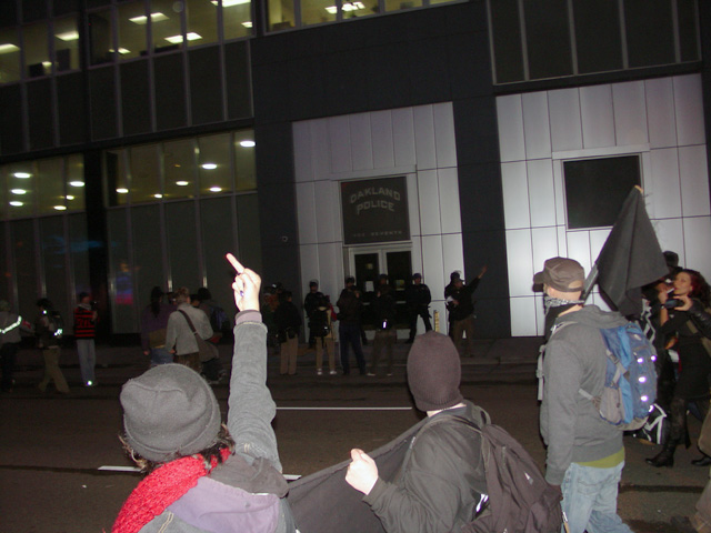 occupyoakland-egyptsolidaritymarch-11121135.jpg