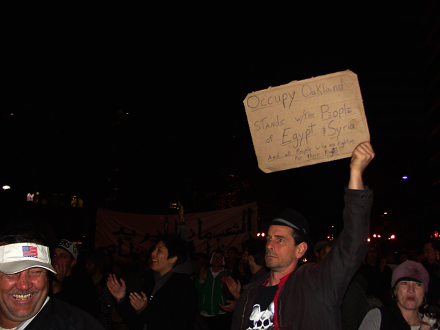 occupyoakland-egyptsolidaritymarch-11121165.jpg