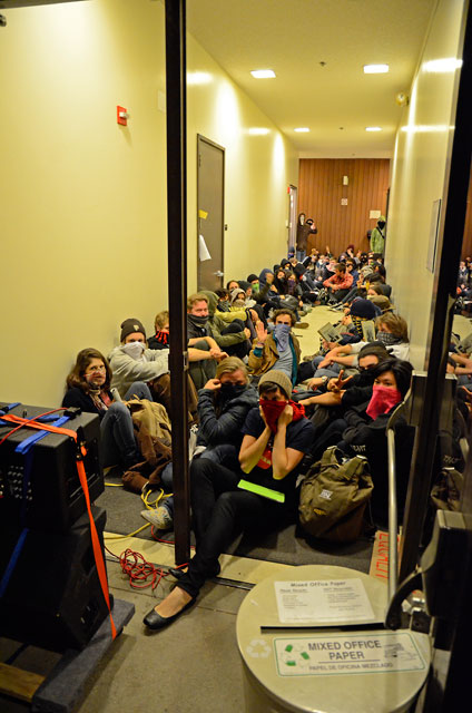 hahn-occupation-ucsc-november-28-2011-19.jpg