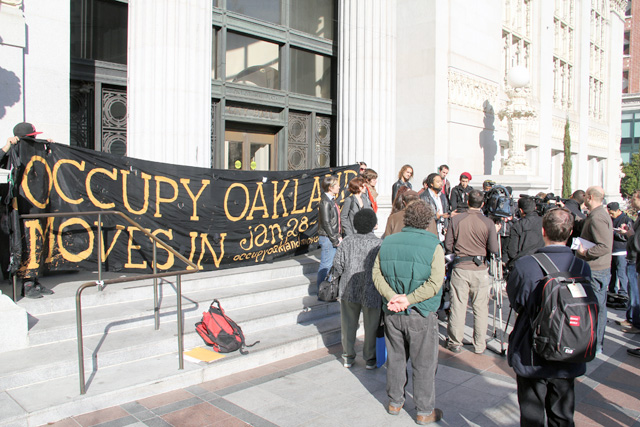 occupyoakland_move-in-day_pressconf_012512-48.jpg