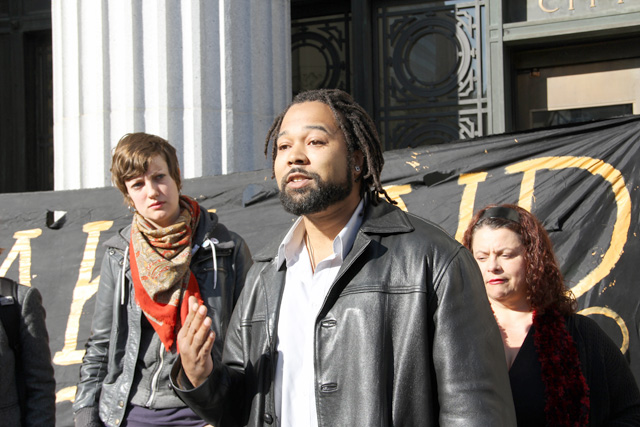 occupyoakland_move-in-day_pressconf_012512-58.jpg