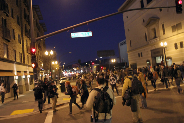 occupyoakland-day111-moveinday_012812180205.jpg
