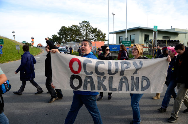 walking-back-occupy-san-quentin-12-february-20-2012.jpg