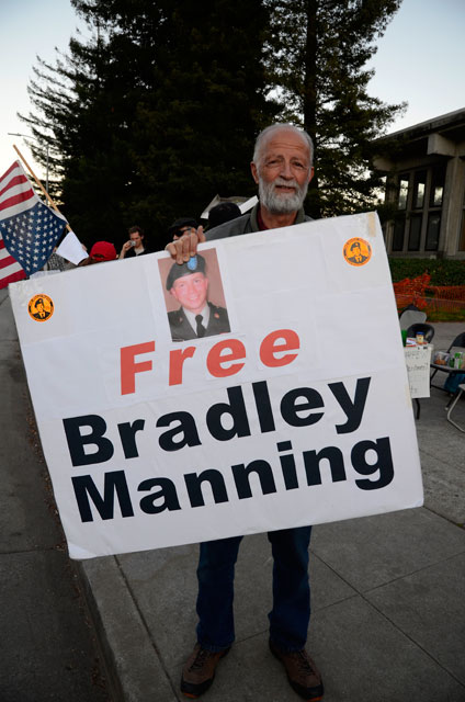 free-bradley-manning-occupy-santa-cruz-11-february-23-2012.jpg