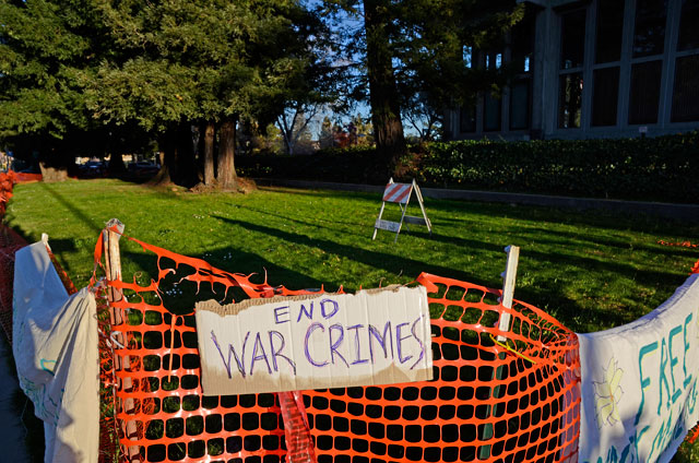 free-bradley-manning-occupy-santa-cruz-3-february-23-2012.jpg