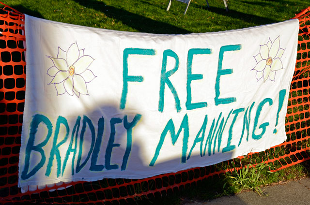 free-bradley-manning-occupy-santa-cruz-6-february-23-2012.jpg
