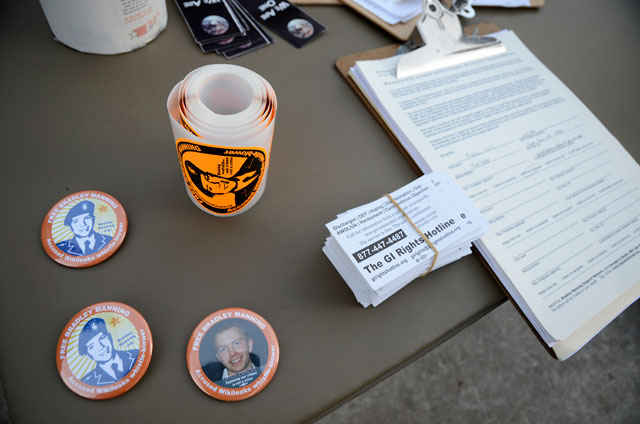 free-bradley-manning-table-occupy-santa-cruz-9-february-23-2012.jpg