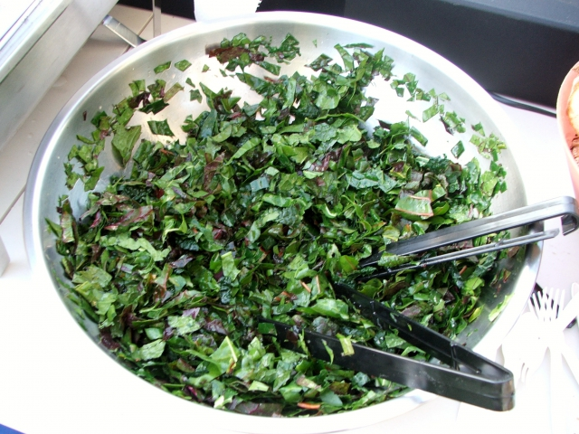 640_a_delicious_salad_with_greens_grown_in_the_garden.jpg