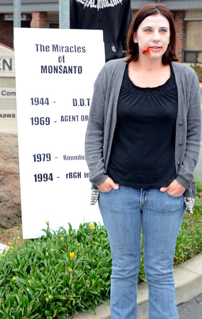 occupy-monsanto-seminis-march-16-2012-2.jpg