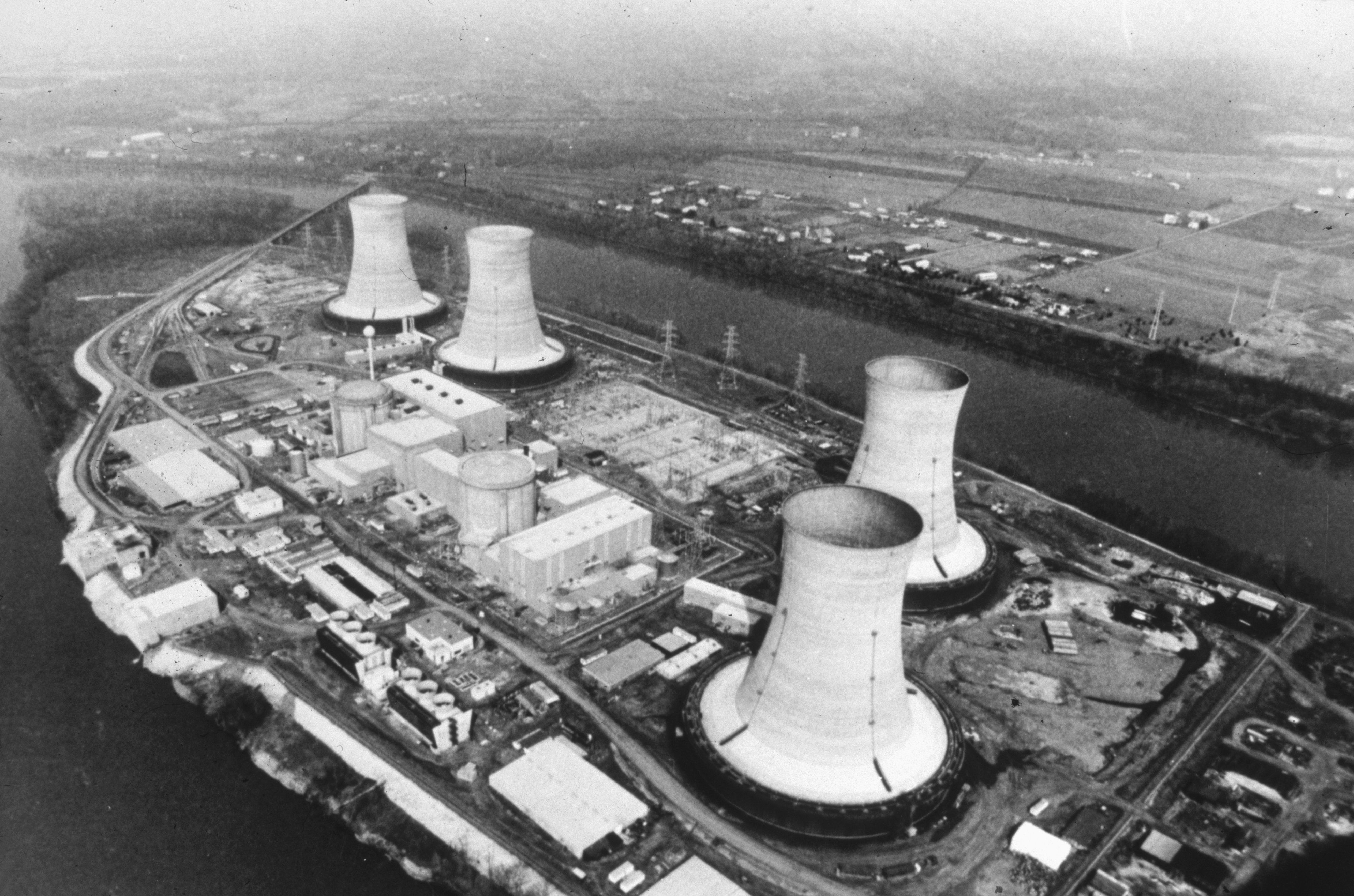 three mile island accidents On march 28, 1979, reactor number two of the three mile island nuclear station  in dauphin county, pennsylvania, experienced a partial.