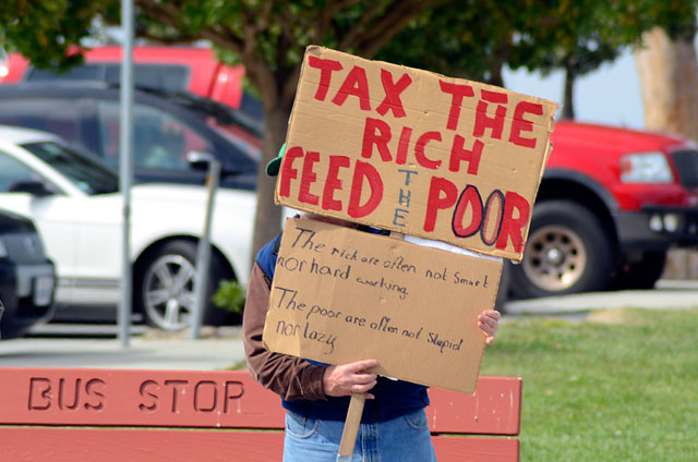 tax-day-occupy-monterey-april15-2012-3.jpg