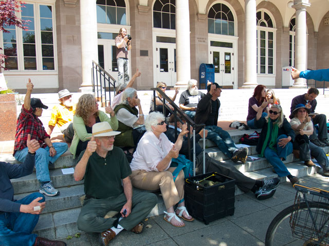 occupy-santa-cruz-supports-santa-cruz-eleven_4-29-12.jpg