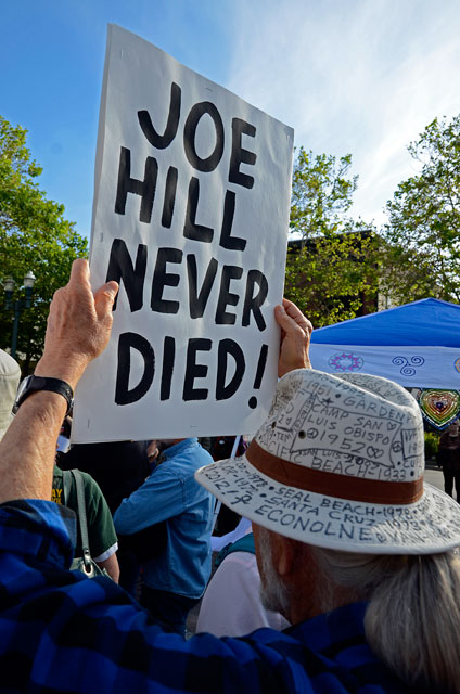 joe-hill-never-died-may-day-santa-cruz-may-1-2012-10.jpg
