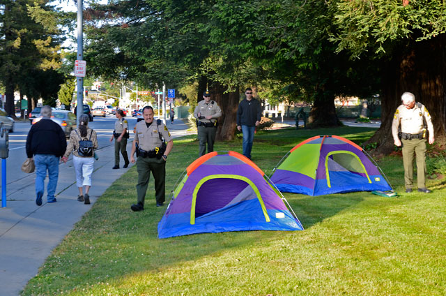 tent-mob-occupy-santa-cruz-may-25-2012-15.jpg