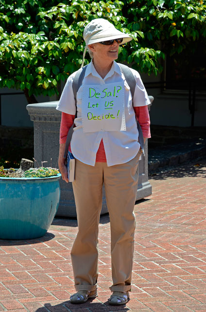 desal-right-to-vote-santa-cruz-may-29-2012-5.jpg