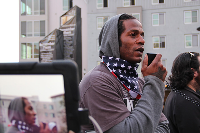 occupyoakland-freechrismorland-rallymarch_20120525_014.jpg