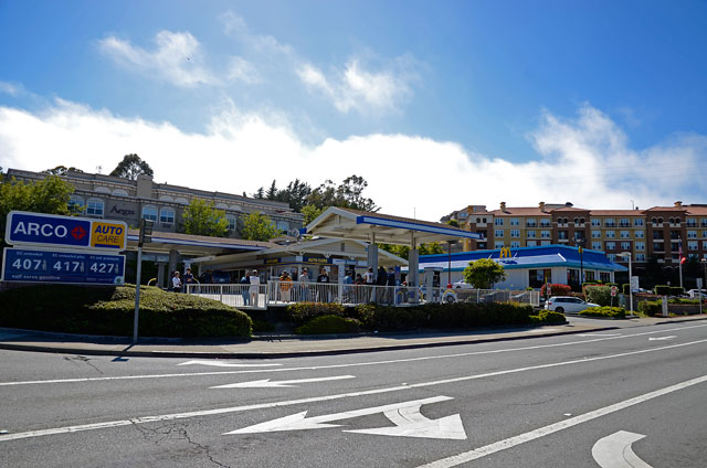 arco-mcdonalds-derrick-gaines-memorial-south-san-francisco-june-12-2012-8.jpg