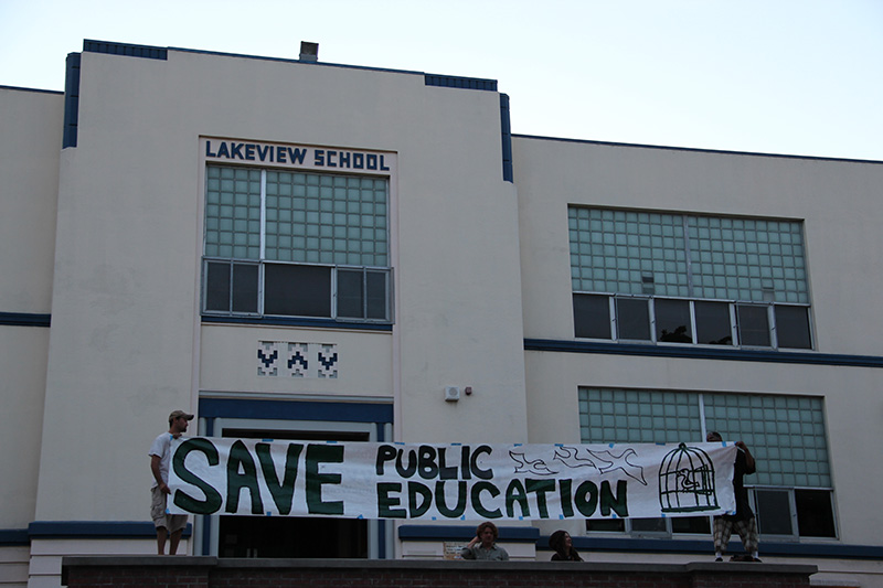 lakeview-sit-in_20120615_073.jpg