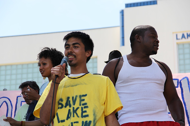 lakeview-sit-in_20120616_037.jpg