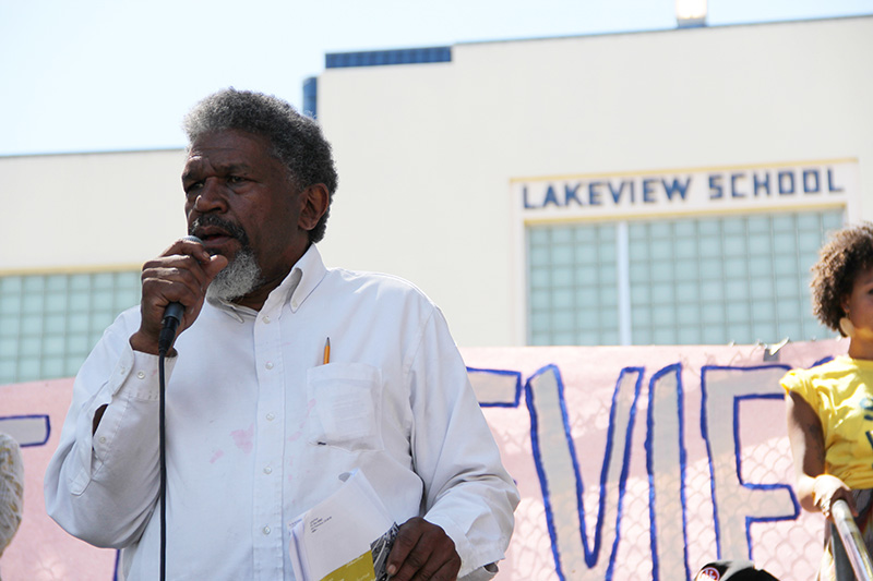 lakeview-sit-in_20120616_070.jpg
