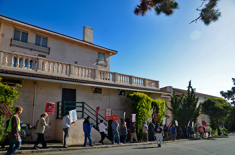 la-playa-carmel-hotel-protest-june-20-2012-16.jpg