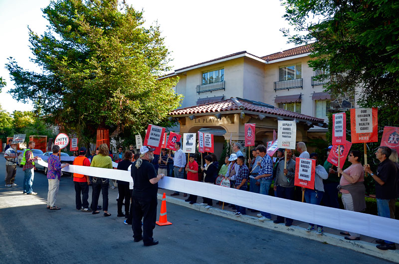 la-playa-carmel-hotel-protest-petition-june-20-2012-20.jpg