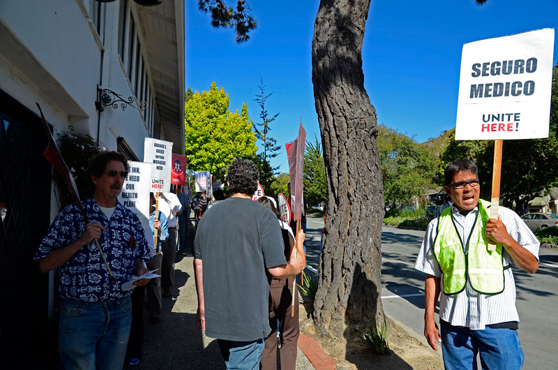 pine-inn-carmel-hotel-workers-protest-june-20-2012-8.jpg
