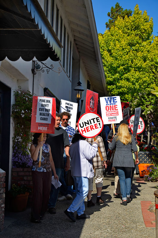 pine-inn-hotel-carmel-protest-june-20-2012-7.jpg