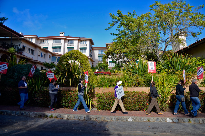 la-playa-carmel-hotel-workers-rally-july-6-2012-22.jpg