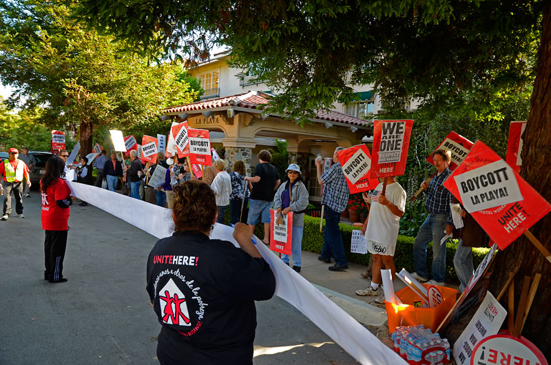 petitions-la-playa-carmel-july-6-2012-9.jpg