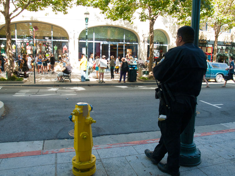 bill-azua-santa-cruz-verizon-police-department_7-21-12.jpg
