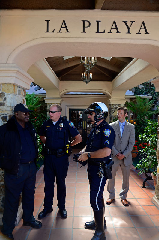 la-playa-carmel-hotel-lobby-siege-ca-police-by-the-sea-july-20-2012-28.jpg