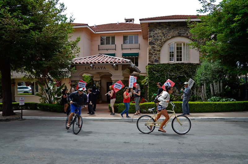 la-playa-hotel-guests-siege-carmel-july-21-2012-5.jpg