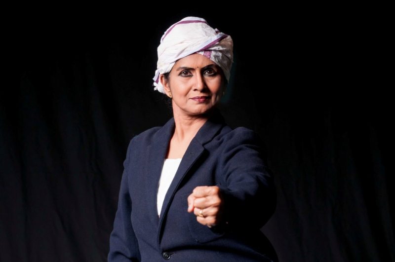 800_mythili-kumar-as-gandhi--abhinaya-dance-company-of-san-jose-photo-by-ramani-aravindhan.jpg