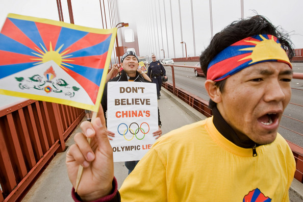 pro_tibetan_activists_march_across_golden_xs_zg_hnxkll.jpg
