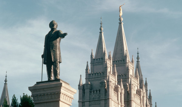 19mormon-articlelarge.jpg