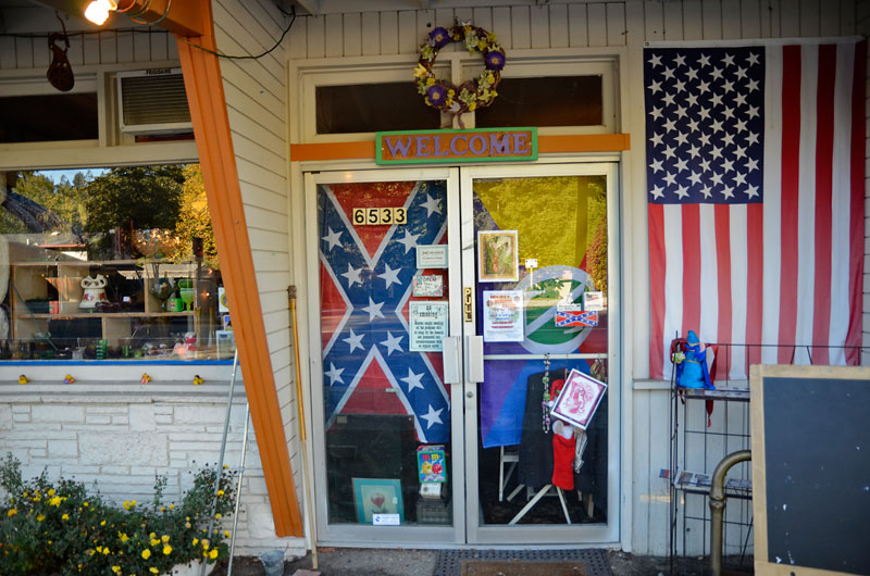 confederate-flag-felton-november-22-2012-3.jpg