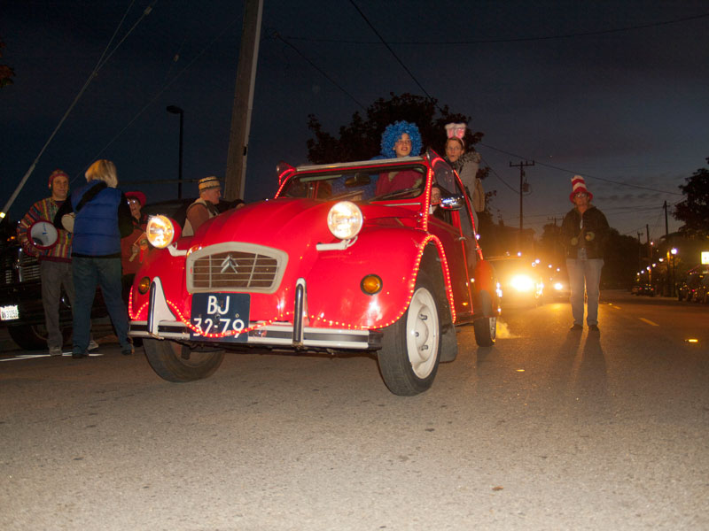 car-in-diy-parade_12-31-12.jpg