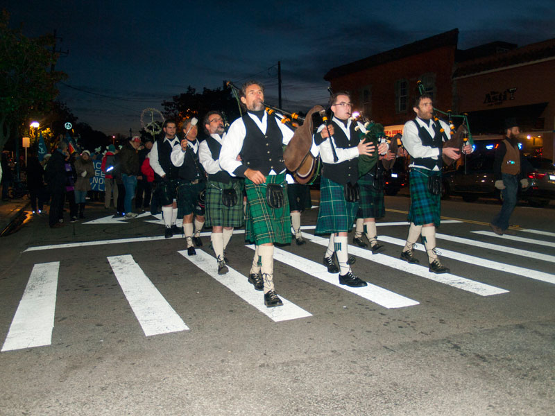 santa-cruz-pipes-and-drums_12-31-12.jpg