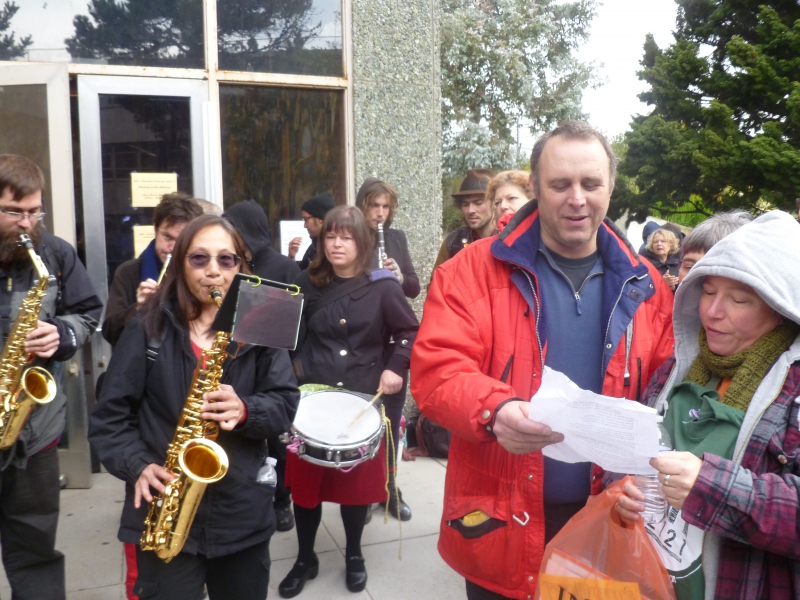 800_ccsf_musicians_at_aft2121_protest1-11-13.jpg