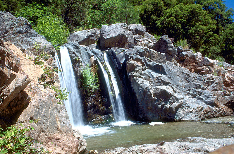 800px-south_yuba_river_waterfall.jpg