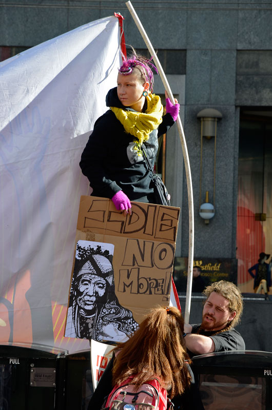 idle-no-more-ohlone-flashmob-san-francisco-january-27-2013-22.jpg