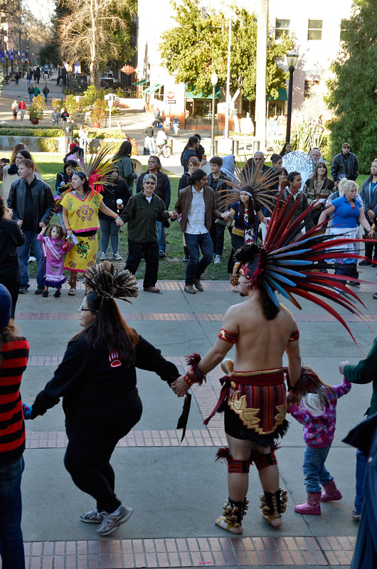round-dance-idle-no-more-california-sacramento-january-26-2013-30.jpg