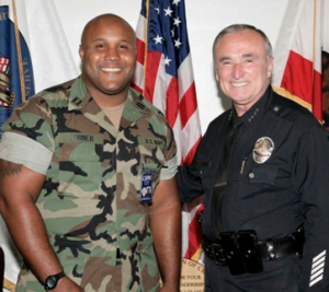christopher_dorner_w_chief_william_bratton.png