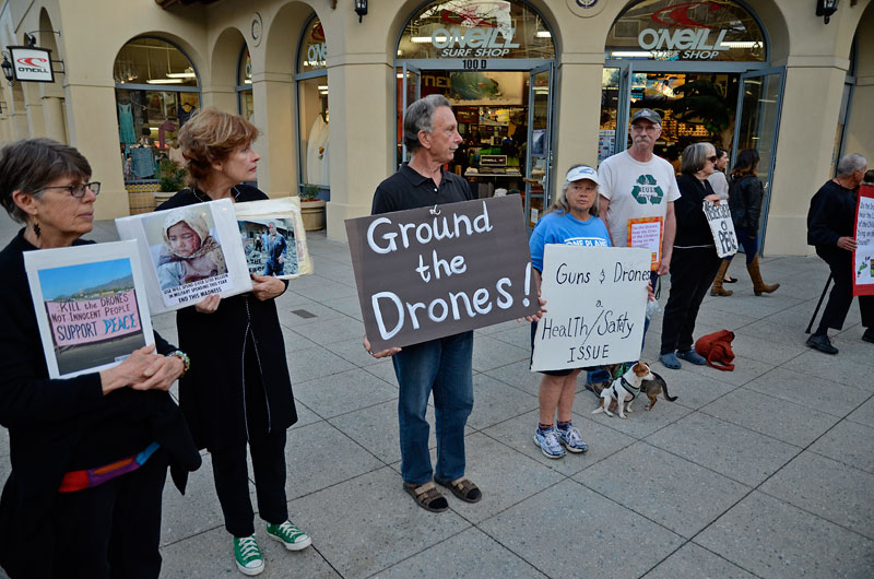ground-the-drones-santa-cruz-march-1-2013-11.jpg
