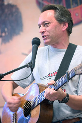 dave_lippman_on_guitar.jpg