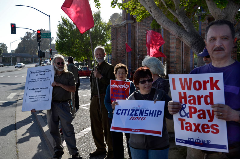 may-day-immigration-reform-santa-cruz-2013-1.jpg